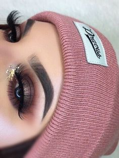 Love this smokey eye! I need new brushes that blend like that! ❤
