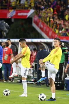 James Rodriguez Photos - Falcao Garcia (L) and James Rodriguez (R) of Colombia stretch during a training session open to the public as part of the preparation for FIFA World Cup Russia 2018 on May 2018 in Bogota, Colombia. Soccer Guys, Football Boys, Soccer Players, Steven Gerrard, Premier League, James Rodriguez Colombia, James Rodrigues, Ronaldo Real Madrid, World Cup Russia 2018