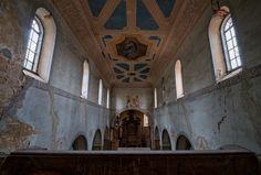 Opuszczony kościół w Grzymałkowie
