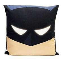 Diy Projects To Try, Sewing Projects, Sewing Ideas, Cushion Covers, Pillow Covers, Batman Pillow, Hero Crafts, Sewing Pillows, Crochet Pillow