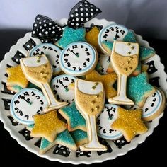 Party of the year/karen cox.New Years Eve Party Ideas - New Years Cookies Holiday Treats, Holiday Parties, Holiday Fun, Holiday Quote, Thanksgiving Holiday, Holiday Dinner, Festive, New Years Eve Day, New Years Party