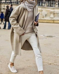 i love the fresh clean look of nudes and neutrals this season. it looks crisp modern and simply chic. scroll down all the way to the bottom...