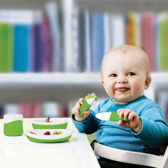 Whoa, those dishes are staying on the table! Their toddler is less stuff-flingy than ours. Baby Dust, Cute Hug, Flatware Set, Cutlery, Learning Tools, 3 In One, Plates And Bowls, Worlds Of Fun, Mom And Baby