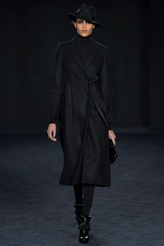 DAKS - Collections Fall Winter 2016-17 - Shows - Vogue.it