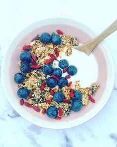 Granola Granola, Acai Bowl, Cereal, Breakfast, Food, Acai Berry Bowl, Morning Coffee, Essen, Meals