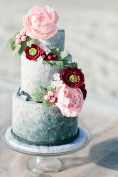 Coastal inspired ombre cake: http://www.stylemepretty.com/florida-weddings/2015/05/22/spring-inspired-coastal-nuptials/ | Photography: Debra Eby - http://www.debraeby.com/