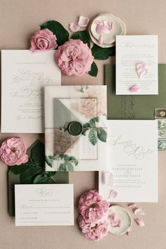This is one way to impress your guests! 💌 @papiradesign crafted this classic meets romantic suite with custom details that we can't help take our eyes off. 🌹  Invitations: @papiradesign #stylemepretty #weddinginvitations #summerwedding Wedding Color Pallet, Wedding Colors, Wedding Stationery, Wedding Invitations, Summer Wedding, Wedding Day, Invitation Suite, Wedding Details, Wedding Bouquets