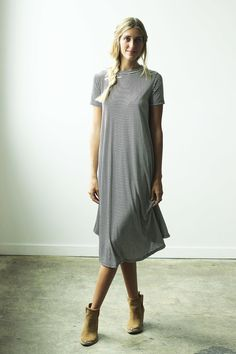 Clad And Cloth, Flowing Dresses, Cool Style, My Style, Unique Fashion, Maternity, Shirt Dress, Style Inspiration, Fashion Outfits