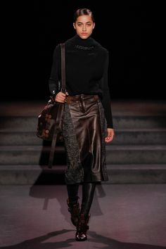 This skirt is literally everything ++++++++++++ Tom Ford Fall 2016 Ready-to-Wear Fashion Show