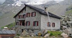 CHAMANNA DA BOVAL - Situata a 2495 m e affacciata sulla sponda occidentale del Vadret da Morteratsch.