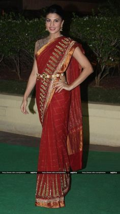 Nov 28, 13: Jacqueline Fernandez in http://www.AnandKabra.com/ Saree at Director Vishesh Bhatt &  Kanika Parab's Wedding Reception
