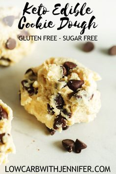 chocolate chip cookie dough An easy 5 -ngredient low carb dessert for delicious edible cookie dough! This cookie dough low carb dessert is flour-free and sugar-free! Keto Cookies, Keto Cookie Dough, Edible Cookies, Edible Cookie Dough, Chocolate Chip Cookie Dough, Chip Cookies, Chocolate Chips, Cookie Dough Recipes, Chocolate Cookies