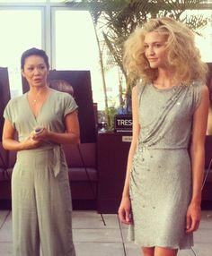 TRES stylist, Jeanie Syfu, explaining Jenny Packham look at our blogger event! #TRESmbfw #mbfw