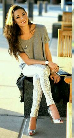 Sequin skinnies (normally my number one rule is to steer clear of sequins but...she just looks too DAMN GOOD!!) haha