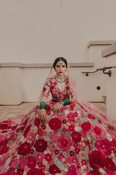 The Wed Post Select – Best Indian Bridal Portraits Of 2019 Indian Wedding Gowns, Indian Bridal Outfits, Indian Bridal Lehenga, Indian Designer Outfits, Indian Dresses, Indian Weddings, Peach Weddings, Wedding Mandap, Wedding Hijab