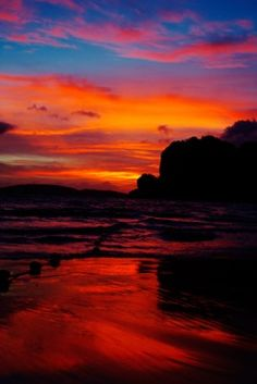Sunset, Hat Railay West, Thailand by Grant Kaye Beautiful Sunset, Beautiful World, Beautiful Places, Beautiful Pictures, Beautiful Scenery, Best Sunset, Ocean Sunset, Amazing Sunsets, Nature Photos