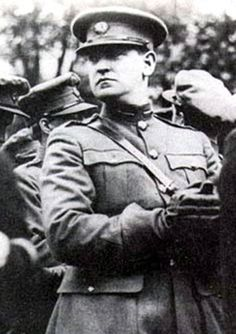 Michael Collins: A Leader of the Irish Republican Army (IRA) Michael Collins, Erin Go Bragh, Donegal, Irish Men, Interesting History, Coming Home, The Republic, Historian, Famous People