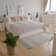 minimalist bedroom ideas for small rooms - Do not let limited space hinder you f . minimalist bedroom ideas for small rooms - Do not let limited space hinder you f . - beautiful farmhouse bedroom bedroom ideas 70 beautiful f. Scandinavian Bedroom Decor, Bedroom Themes, Home Bedroom, Bedroom Design, Home Decor, Room Inspiration, Small Room Bedroom, Apartment Decor, Minimalist Bedroom
