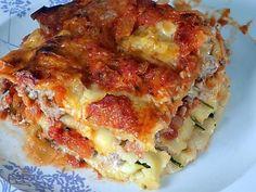 Zucchini and sausage lasagna - - Sausage Lasagna, Meat Lasagna, Lamb Burgers, Good Food, Yummy Food, Grated Cheese, Batch Cooking, Delish, Food Porn