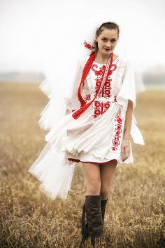 AtelierDeCouture / Slovenské devy 2 Folk Fashion, Womens Fashion, Norse Pagan, Culture Clothing, Folk Costume, Colorful Fashion, Traditional Dresses, Short Dresses, Wedding Dresses