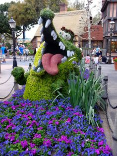 Tick-Tock Croc Topiary - Epcot Flower and Garden Festival 2016 - Take the Full Photo Tour!
