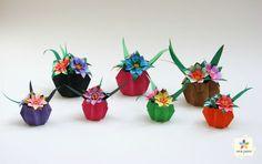 Novos modelos de mini-vasos e mini-mini-vasos Chinese New Year Decorations, New Years Decorations, Origami And Kirigami, Origami Paper, Mini Vasos, Mini Mini, Origami Tutorial, Paper Cards, Quilling