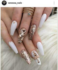 White & Gold Nails @vanessa_nailz on IG ♡