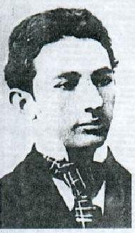 Horacio Quiroga a los quince años, (Salto, 1878 - Buenos Aires, 1937) Narrador uruguayo radicado en Argentina, considerado uno de los mayores cuentistas latinoamericanos