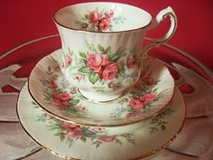 sidmouth poppy: My Second Quilt! Tea Cup Set, Tea Cup Saucer, Tea Sets, Rose Tea, China Patterns, Afternoon Tea, Tea Party, Perfume Bottles, Tea Time