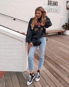 Source by VivianChristin converses outfit Mode Converse, High Top Converse Outfits, Black High Top Converse, Black High Tops, Outfit With Black Converse, Jeans Converse Outfit, Dress And Converse, Converse Fashion, Cute Casual Outfits