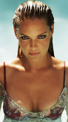 katherine heigl Bold iPhone Wallpaper Download | iPhone Wallpaper Club