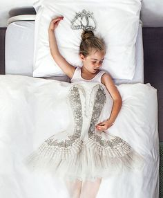 #4 Ballerina   |   The Most Amazing and Creative Bed Covers I've Seen. Especially #14.