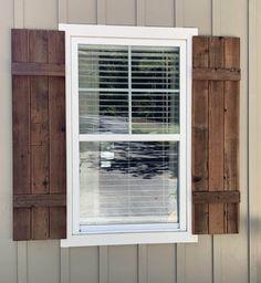 How to Make Cedar Shutters Wooden Shutters Exterior, Wooden Window Shutters, Farmhouse Shutters, Cedar Shutters, Rustic Shutters, Cedar Siding, Wood Shutters, Modern Farmhouse Exterior, Modern Shutters