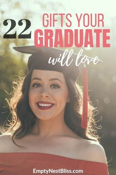 22 Amazing 2020 Graduation Gifts Girls Actually Want Here's a list of graduation gifts for her that she actually wants! Check out these college graduation gifts from parents 2019 version! Graduation Gifts For Daughter, High School Graduation Gifts, College Student Gifts, College Fun, Graduation Ideas, Personalized Graduation Gifts, Girl Gifts, Bff Gifts, Modern