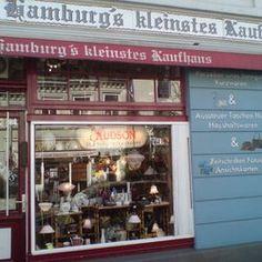 Hamburgs Kleinstes Kaufhaus - Vintagekaufhaus  Bahrenfelder Str. 207 Mo.-Fr.10:00 - 18:30 Sa.10:00 - 14:00