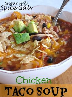 Slow Cooker Chicken Taco Soup #slowcooker #soup #tacosoup