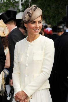 Prince William and Lovely Kate Middleton Join the Queen and Family at the Epsom Derby Pippa Middleton, Estilo Kate Middleton, Kate Middleton Prince William, Kate Middleton Style, Prince William And Kate, William Kate, Princess Kate, Princess Style, Duchess Kate