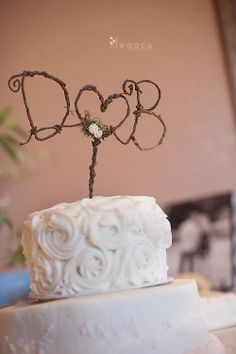Cute Wedding Cake Topper Photography