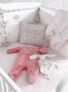 le maillot de bain liberty en coton par cyrillus un bouquet de liberty pinterest shops et. Black Bedroom Furniture Sets. Home Design Ideas