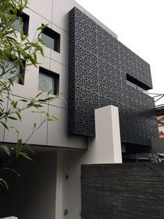Perforated decorative aluminium screening, exterior facade in colorbond monument Exterior Wall Panels, Exterior Wall Cladding, Balcony Grill Design, Balcony Railing Design, Design Exterior, Facade Design, Colonial Exterior, Cottage Exterior, Exterior Paint