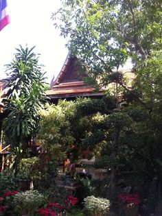 Baan Watcharachai Restaurant at Ayutthaya which backs onto the river. Photography by Judith Sharpe
