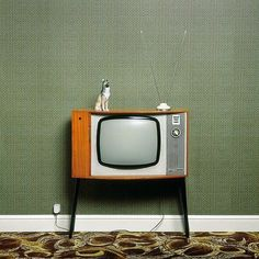 This looks like our first TV that I recall.The rotary channel knob was broken,dad used a pair of pliers to grip the spindle it fitted on and turn it to change channel! Vintage Tv, Vintage Antiques, Vintage Items, Vintage Television, Television Set, Tvs, Radios, Tv Sets, Old Tv