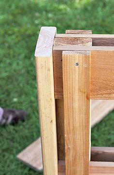 Get the compost bin plans for this 3-crate system to shave weeks off of your composting process.