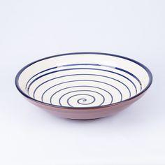 Plato de cerámica muy sencillo y bonito