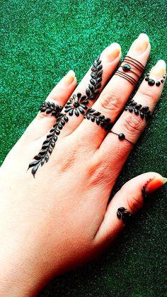 Mehndi Art, Henna Mehndi, Hand Henna, Irish Festival, Natural Henna, Henna Artist, Bridal Henna, Mehndi Designs, Festival Fashion