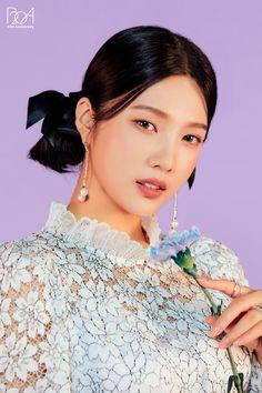 Seulgi, Kpop Girl Groups, Kpop Girls, Korean Girl Groups, Red Velvet Joy, Red Velvet Irene, Velvet Style, Beautiful One, Looking Stunning