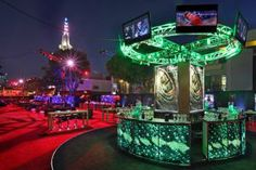 Following the premiere of The Amazing Spider-Man in Los Angeles in June, guests headed to an outdoor party designed by 15/40 Productions. The premiere party's central bar in the round got a reptilian look inspired by the film's villain.