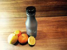H2O BPA-free 550ml Wasser-Trinkflasche mit Handschlaufe, satiniert, schwarz - Habe eine Flasche gesunden Wassers stets dabei.