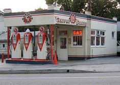 vintage service stations still in use today | Old Gas Stations