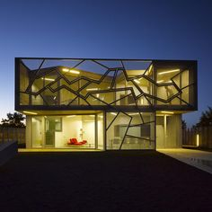 House inspired by crooked geometry. Spain